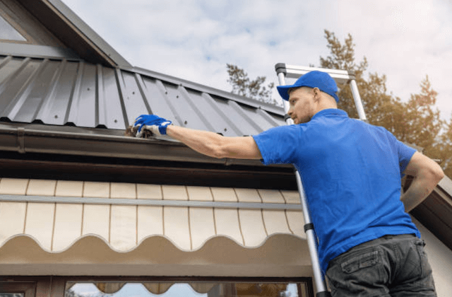 gutter cleaning in smyrna